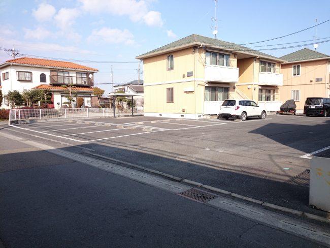中津1827 関戸駐車場